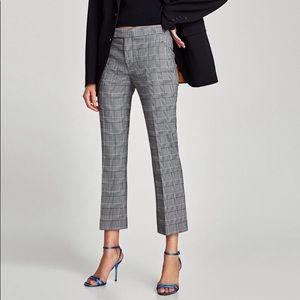 New checkered cropped and flare pant